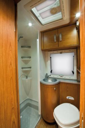 Accessori Da Bagno Per Camper.Motor Caravan Gallery Rv For Rent Example Cat C Sky 501