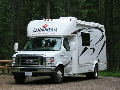 Model  Of Australia 2wd Smaller Motorhome Hire And Australia Camper Rentals